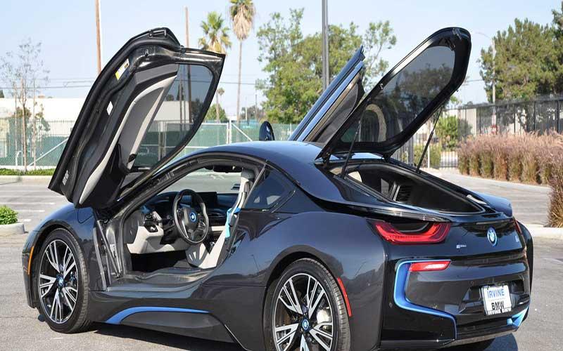 بررسی خودرو BMW i8