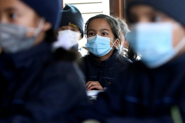 ماسک جهت مقابله با ویروس کرونا